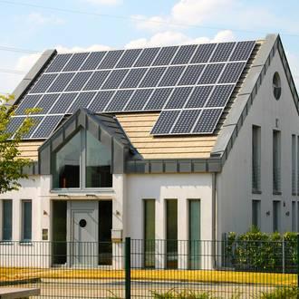 Bild: Photovoltaikanlage auf Einfamilienhaus