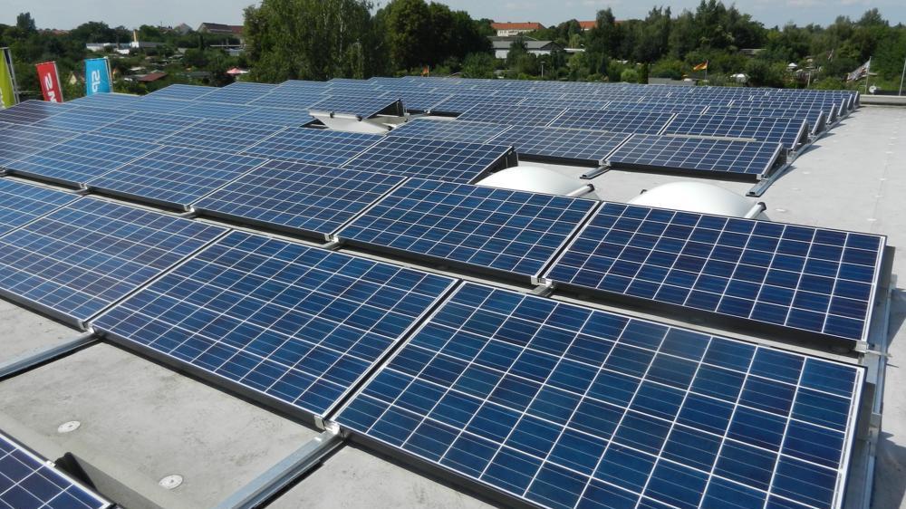 Photovoltaikanlage für Unternehmen Autohaus