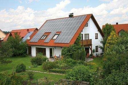 Bild von Photovoltaikanlage auf Einfamilienhaus